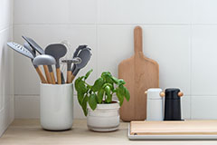 Do you know how to maintain kitchenware?
